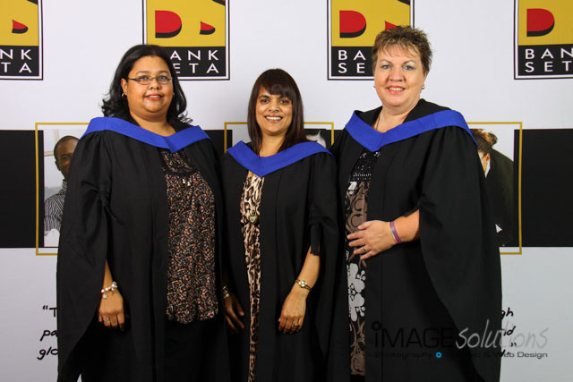 bankseta-graduation-kelvin-grove-2012-photographer-08